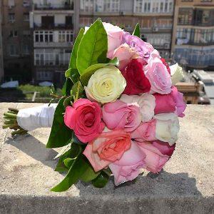 bouquet-mariee-roses-pastel