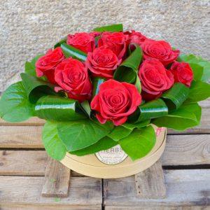 boite-chapeau-roses-rouges